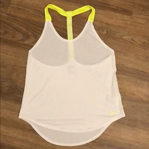nike workout tank top